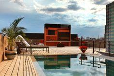 Pretty pool picture, 562 kB - Benson Waite