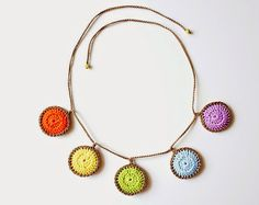 free #crochet pattern - colorful circles necklace