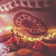 Reliable solved meditation room decor his explanation Mickey Party, Bohemian Room, Bohemian Decor, Earthy Decor, Dream Rooms, Dream Bedroom, Hippy Room, Meditation Space, Room Goals