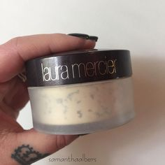 #samanthasfridayfaves Decided to start something new - Samantha's Friday faves! 💕 @lauramercier • translucent powder • I have been using this powder for almost a year now and I am obsessed! No flashback and melts away into the skin 🖤 #samanthaalbers #mua #makeup #makeupartist #makeupobsessed #productshot #lauramercier #translucentpowder #obsessed #favorite #girlswithtattoos