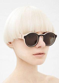 Oakley Sunglasses OFF! Nexus 8 Maison Martin Margiela Two Tone in Nude / Black Sunglasses Outlet, Ray Ban Sunglasses, Round Sunglasses, Sunglasses Women, Glasses For Face Shape, Funky Glasses, Glasses Frames, Blade Runner, Miu Miu