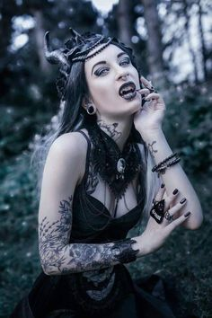 A page were you can see that goth can still mean beautiful . A place to be Goth and proud. Dark Fashion, Grunge Fashion, Gothic Fashion, Dark Beauty, Gothic Beauty, Vampire Pictures, Dark Princess, Ink Model, Goth Look