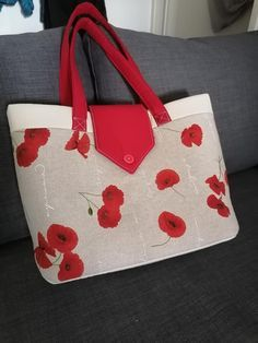 Patron sac Madison - Sacôtin Purses And Bags, Tote Bag, Boutique, Vanity, Couture Sac, Sewing, Purse, Poppies, Dressing Tables