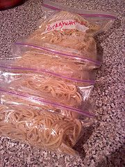 Freeze left over spaghetti noodles in snack snooze bags for perfect portions for a quick dinner. Just drop in a pot of hot water!
