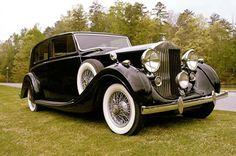 1938 Rolls-Royce Wraith Saloon by H.J. Mulliner