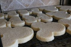 cookie recipes This is the best Foolproof No Chill No Spread Sugar Cookies Ive ever made! It is very easily customizable also! Below the recipe there are tons of. Chewy Sugar Cookies, Royal Icing Cookies, Sugar Cookies Recipe, Cookie Recipes, Owl Cookies, Icing Recipes, Cookies By Design Recipe, No Spread Sugar Cookie Recipe, Best Cutout Cookie Recipe