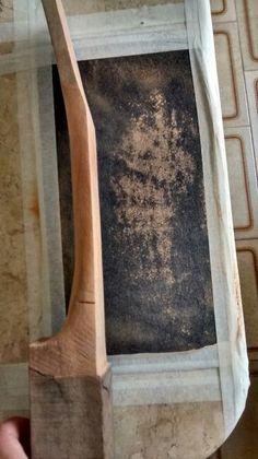 Lixamento do braço do Ukulele