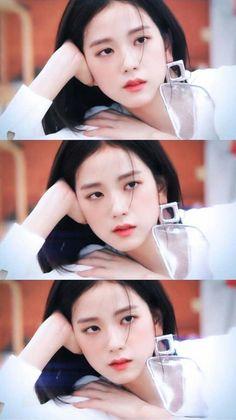 Hi i'am only post Photo Blackpink ❤️❤️❤️ Kpop Girl Groups, Korean Girl Groups, Kpop Girls, Blackpink Jisoo, Kim Jennie, Yg Entertainment, Forever Young, Black Pink ジス, Blackpink Debut