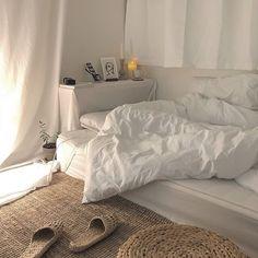 MIMI - # Check more at schlafzimmer.- MIMI – # Check more at schlafzimmer.fris… MIMI – # Check more at schlafzimmer. Dream Rooms, Dream Bedroom, Master Bedroom, Home Interior, Interior Design, Interior Modern, Apartment Interior, Apartment Living, Cozy Room