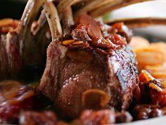 Lammkarree mit Karotten  Mal nicht Gans sondern Weihnachtslamm und dazu leckere 'Schweden-Kartoffeln'  http://einfach-schnell-gesund-kochen.de/lammkarree-mit-karotten-und-kartoffeln/