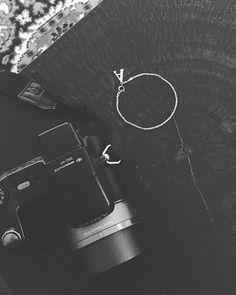 Gisteren heb ik echt geen kloot uitgevoerd en het hele 2e seizoen van Narcos gekeken maar vandaag ben ik super productief geweest 💪🏽! #AS #annasieraad #annasieraden #annasier #anna #sieraden #productief #fotografie #creatief #handmade #madewithlove #blackandwhite #onlineshopping #jewellry #jewellerydesign #work #workinggirl #bijnaaltijdaanhetwerken #instadaily #dailyinsta #instagood #instamood #instalove