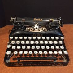 in Antiques, Mercantile, Trades & Factories, Typewriters