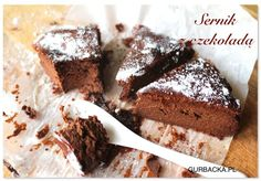 Sernik czekoladowy, kolejny przepis, który jest hitem internetu, tym razem wersja z czekoladą. Potrzebne są tylko 2 składniki, które na pewno masz w domu