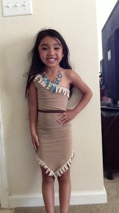 Dress up - recycled t-shirt pocahontas costume