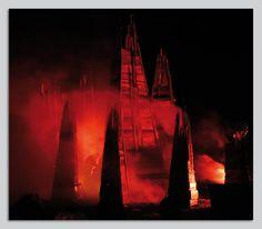 Weltuntergang Moosach 2012 Türme Rauch