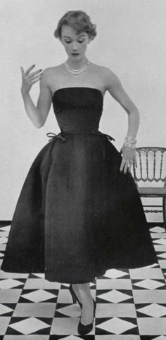 1952  Vintage Dior is so beautiful.  Simple and breath taking.