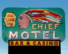 Hotels & Motels Photo Page – The Roadside Gallery Vintage Signs For Sale, Vintage Neon Signs, Western Signs, Neon Moon, Roadside Attractions, Old Signs, Advertising Signs, Motel, Shop Signs