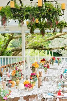 Calli B Photographyis lucky to have experienced this colorful outdoor wedding idea and capture tons of gorgeous photos to prove it. Marie and Joel tied the knot in rich summer style with this brilliant wedding on the porchof theSpicers Clovelly Estate in the Sunshine Coast Hinterland. Bohemian glam is the best way to describe this […]