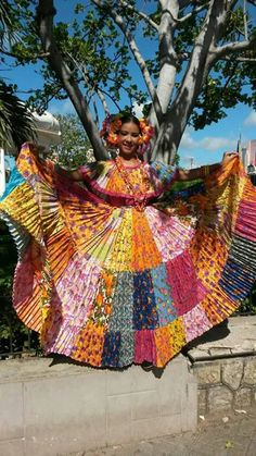 Pollera Cong a, bien panafpollera congomeña Winter House, South America, Beautiful Pictures, Lily, African, Culture, World, Mexico, Children