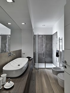 Grey wood Floors Color Scheme is part of Wood floor bathroom - Welcome to Office Furniture, in this moment I'm going to teach you about Grey wood Floors Color Scheme Modern Luxury Bathroom, Luxury Master Bathrooms, Modern Master Bathroom, Bathroom Design Luxury, Grey Bathrooms, Bathroom Interior, Amazing Bathrooms, Contemporary Bathrooms, Long Narrow Bathroom