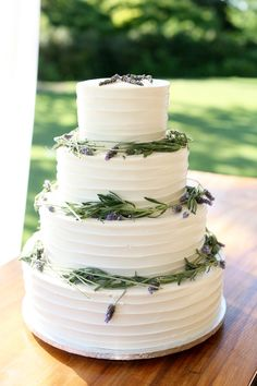 lavender wedding cake | Mary Rosenbaum