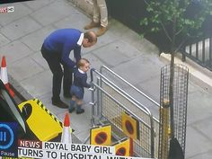 Prince William has arrived at the Lindo Wing with Prince George. #RoyalBaby