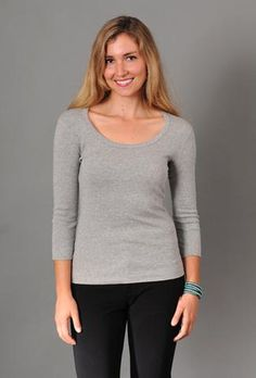 Show off a little more with this deeper neckline. A good choice for layering under a blazer or cardigan. combed cotton Three Dots signature look now off. Three Dots, Back To Basics, Tee Shirts, Tees, Basic Style, Every Woman, Slim, Pullover, Clothes For Women