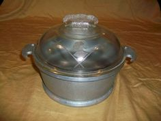 Round casserole with glass lid