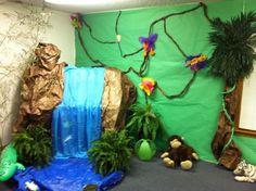 Resultado de imagem para selva decoração teatro