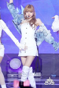 Read -Best Outfits- from the story EXO's One And Only: [ EXO Member ] by ncity_army (Kpop Lover) with 284 reads. Here are some of Lisa. Kim Jennie, Jenny Kim, Stage Outfits, Kpop Outfits, Cute Outfits, Kpop Girl Groups, Korean Girl Groups, Kpop Girls, Blackpink Lisa