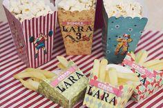 Lara Circus!  #circus #circusparty #carnival #carnivalparty #vintagecircusparty #vintageparty #circo #festacirco #circovintage #personalizados #papelariapersonalizada #papelariacriativa #papelariadefesta