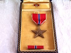 WWII Bronze Star Medal in Dark Blue Case, Military Bar Pins, Military Collectible, Militaria, War Veteran, by SierrasTreasure on Etsy