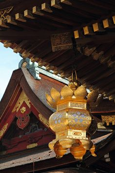 The metallic lantern. Kitano-Tenmanguu Shrine, Kyoto.