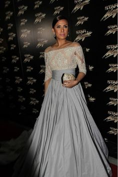 Nikki Gil at the Star Magic Ball 2013 - Audrey Hepburn-inspired gown by Jun Escario Modern Filipiniana Dress, Filipiniana Wedding, Wedding Dress, Races Fashion, Gq Fashion, Asian Fashion, Star Magic Ball Gowns, Grad Dresses, Bridesmaid Dresses