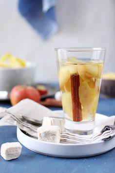 Tisane de pommes et cannelle maison (pelures de pommes + baton de cannelle + eau + sucre)