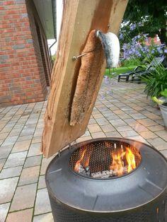 Würziger Flammlachs vom Feuer, ein raffiniertes Rezept aus der Kategorie Fisch. Bewertungen: 29. Durchschnitt: Ø 4,7.