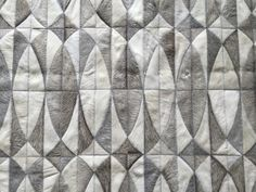 LIFESTYLE by Cara - Lobos cowhide patchwork rug in grey + off white
