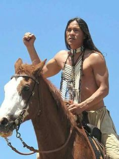 Native American Face Paint, Native American Actors, Native American Horses, Native American Pictures, Native American Beauty, Native American History, American Indians, Sioux, Native Indian