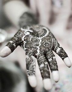 amazing henna pattern