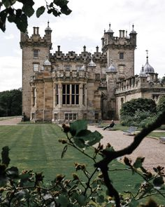 Floors Castle, in Roxburghshire, is the seat of the Duke of Roxburghe. Despite its name it is a country house rather than a fortress. It…