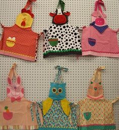 Animal aprons for dress up Dress Up Aprons, Cute Aprons, Sewing For Kids, Baby Sewing, Hobbies And Crafts, Diy And Crafts, Sewing Crafts, Sewing Projects, Childrens Aprons