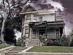 House from Michael Jackson's Thriller video (1345 Carroll Avenue).