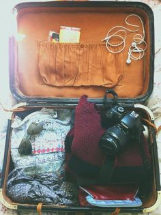 I think this would be a really cute photography idea if you were about to go on holiday, for instagram, or snapchat idk.