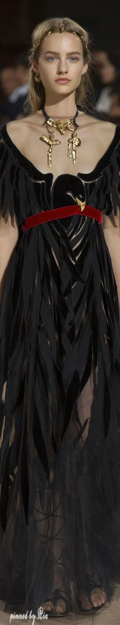 Mirabilia Romae Spring 2016 Haute Couture l Ria