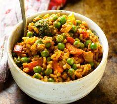 Curry met o.a. een lepel pindakaas  - 5 super gezonde food bowls die je binnen 30 minuten maakt  - Food - Lifestyle
