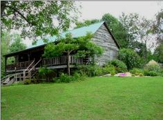 Kentucky Lake Cabins - Pet Friendly - Paris, Tennessee #petfriendlyhotels