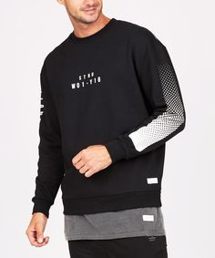Graphics down the sleeve and a minimal stamp on the chest make this monochrome fleece ooze urban style. Urban Fashion, Mens Fashion, Buy T Shirts Online, Snitch, Screenprinting, Boys Shirts, Mens Sweatshirts, Streetwear Fashion, Lacoste