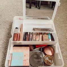 18 Vintage Caboodles Make-up Fall den Sie lieben werden Makeup Case, Skin Makeup, Beauty Makeup, Makeup Stuff, Mac Makeup, Prom Makeup, Makeup Kit, Makeup Tools, Beauty Care