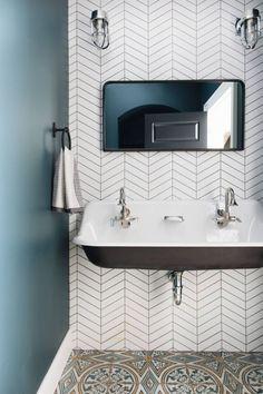 Black bathroom chevron tiles
