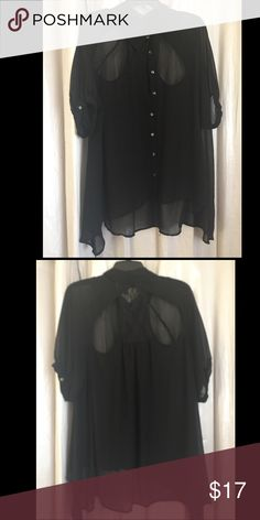 Forever 21 button down top Brand new wore once excellent condition Forever 21 Tops Button Down Shirts